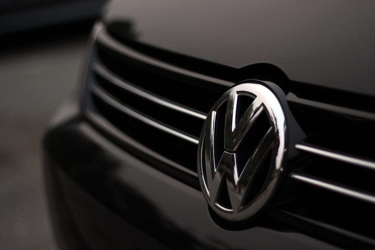 Insignia_actual_de_Volkswagen. Inconfundible